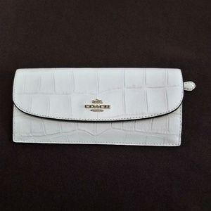 New Without Tags Coach Wallet Embossed Croc Soft
